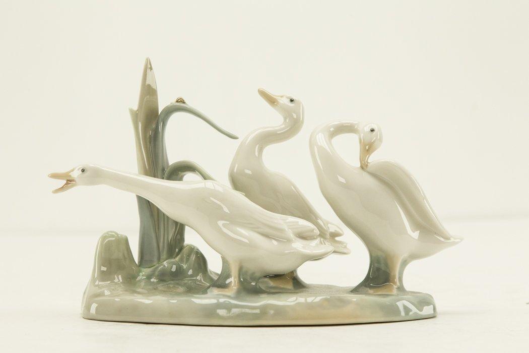 """Lladro """"Ducks Group"""" Figurine - 2"""