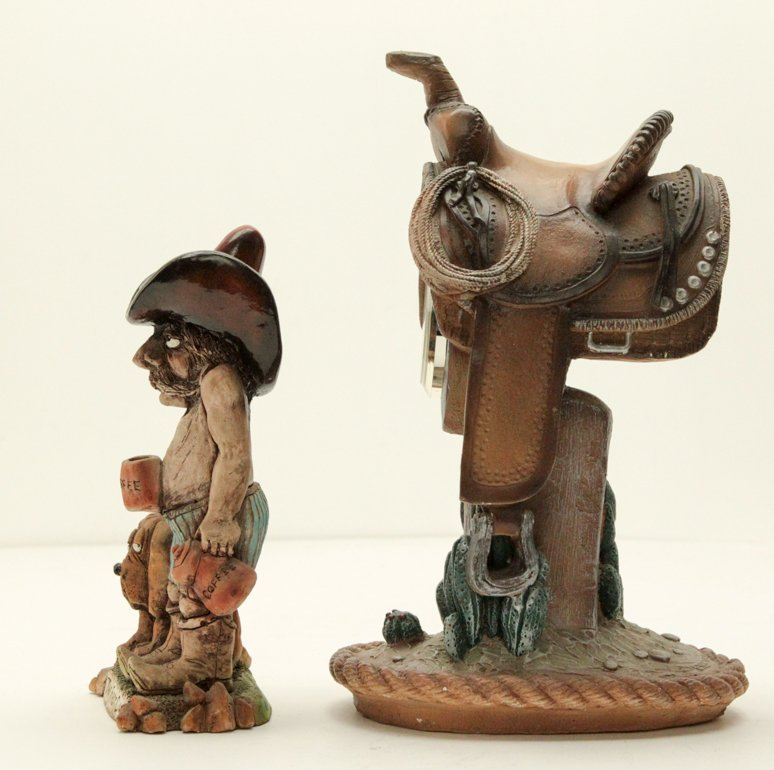 Vintage Cowboy and Horse Saddle Shelf Table Clock - 4
