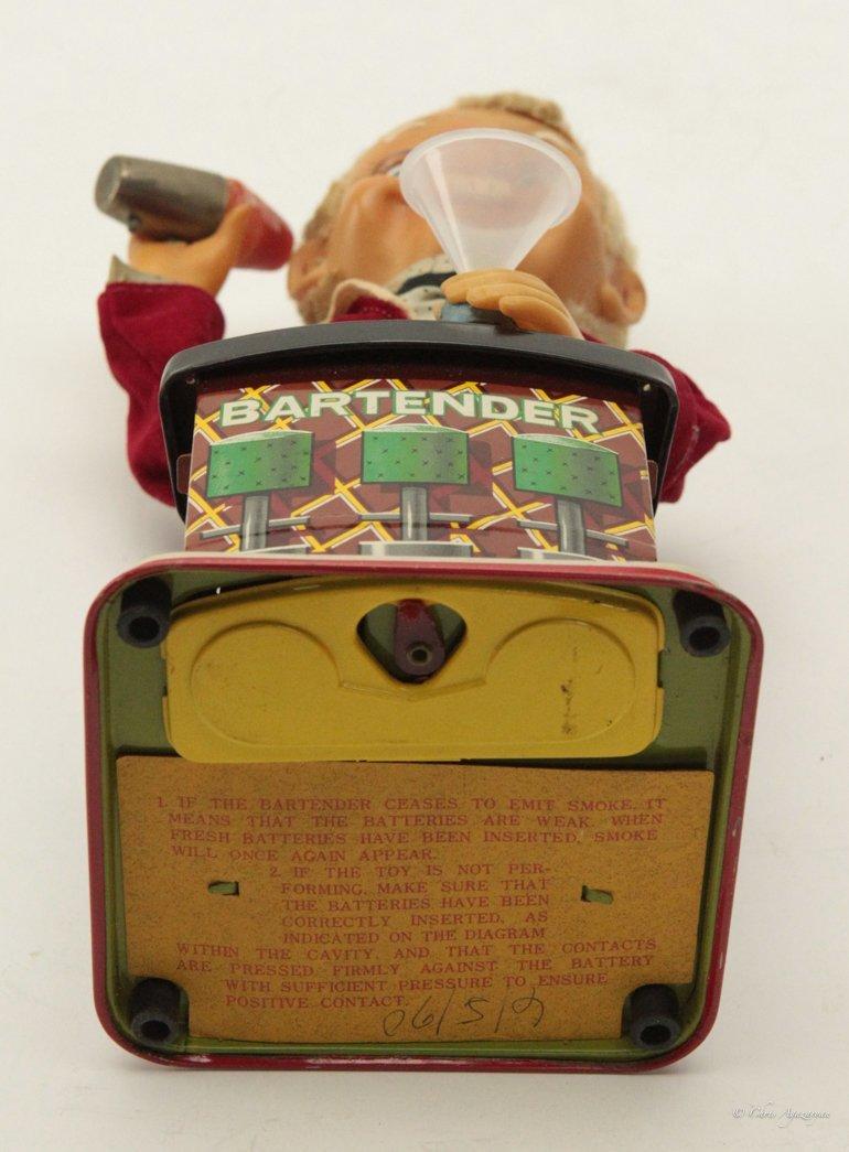 Vintage Charlie Weaver Tin Bartender Toy 1950's - 5
