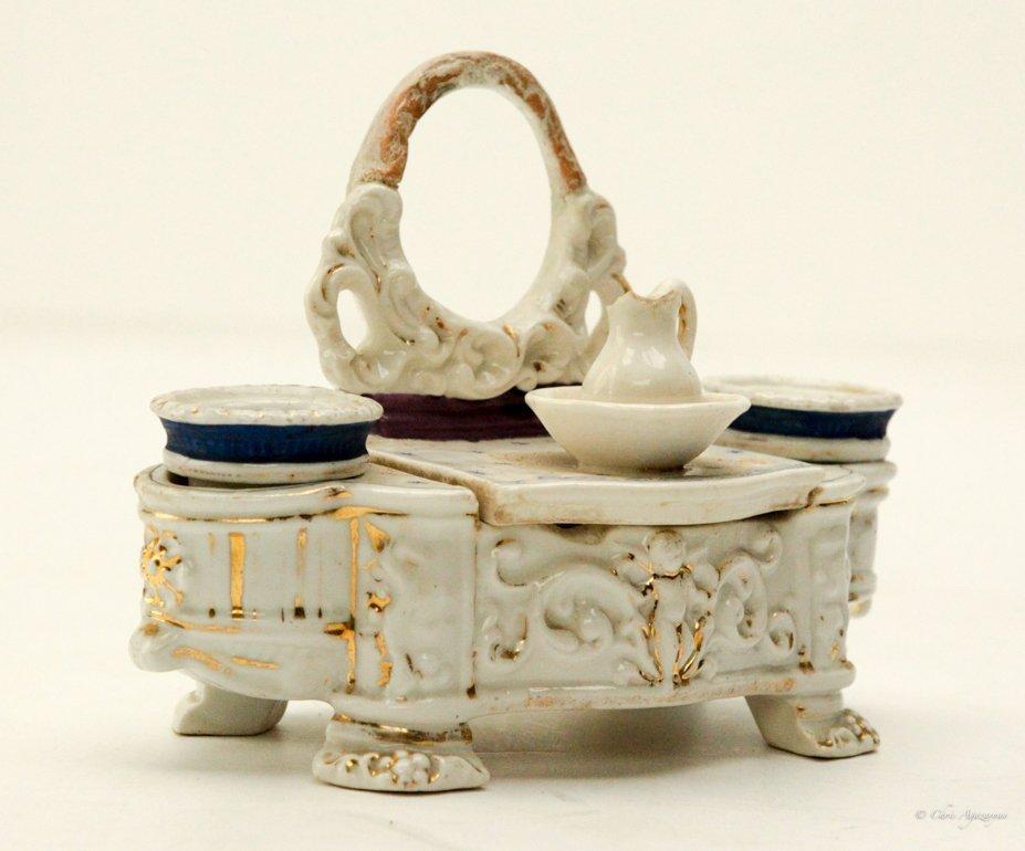 Vintage Porcelain Salt and Pepper Shaker - 2