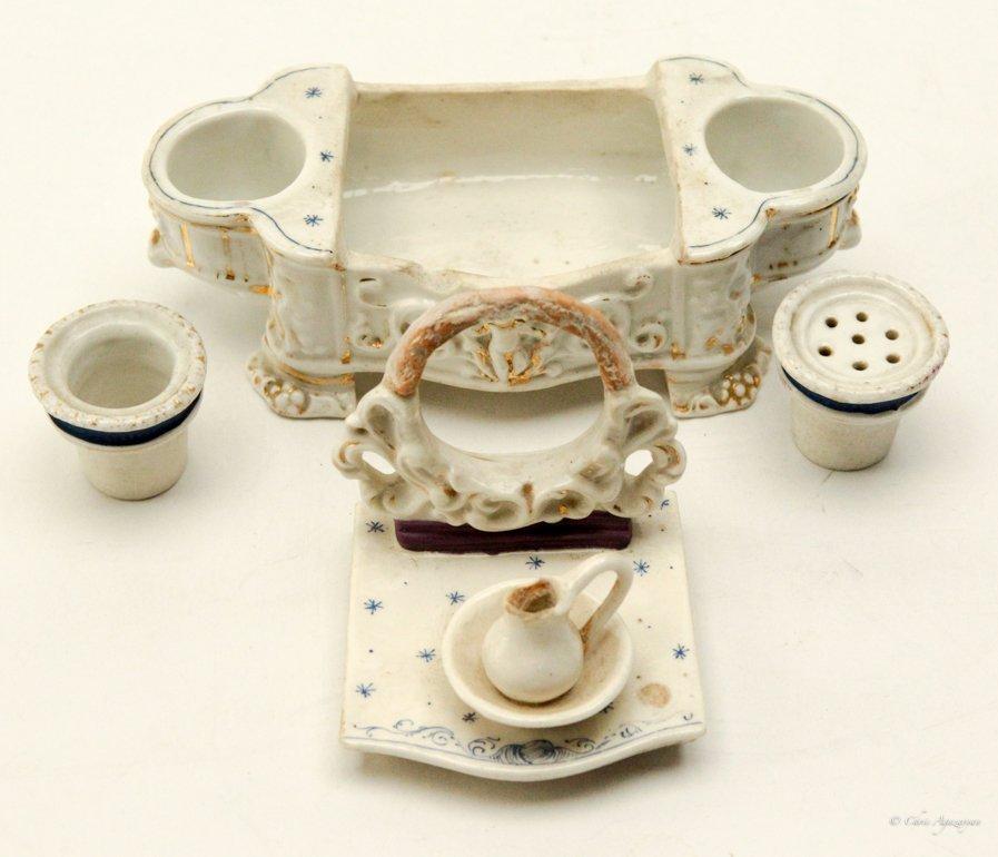 Vintage Porcelain Salt and Pepper Shaker - 4