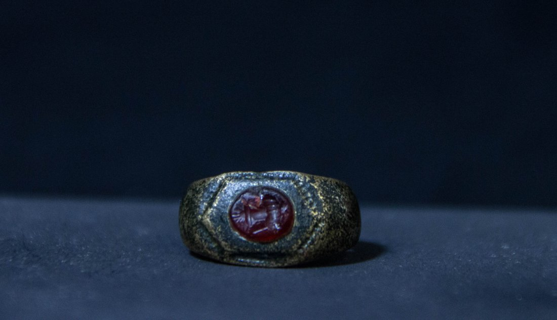 Roman Gilt Bronze Intaglio Ring I , II Century AD