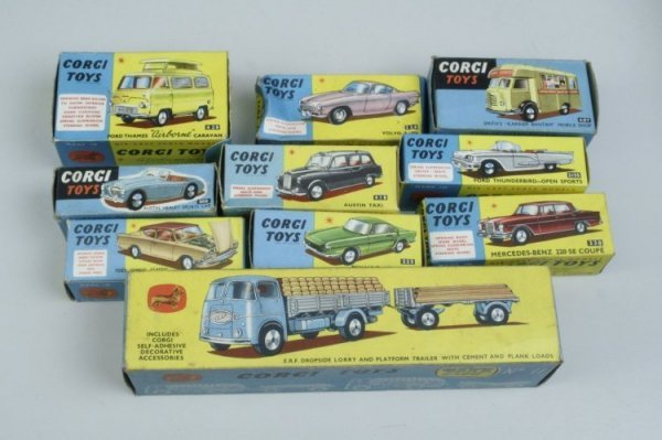 17: Corgi Toys, ten, in original boxes, good