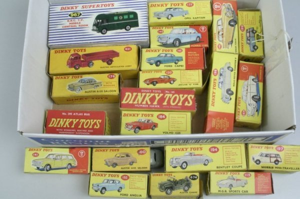 19: Dinky Toys, fair-good