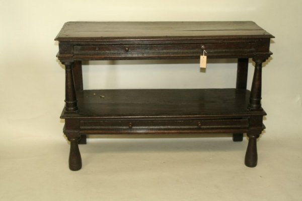 693: A Charles I oak two tier buffet, 4ft 2ins