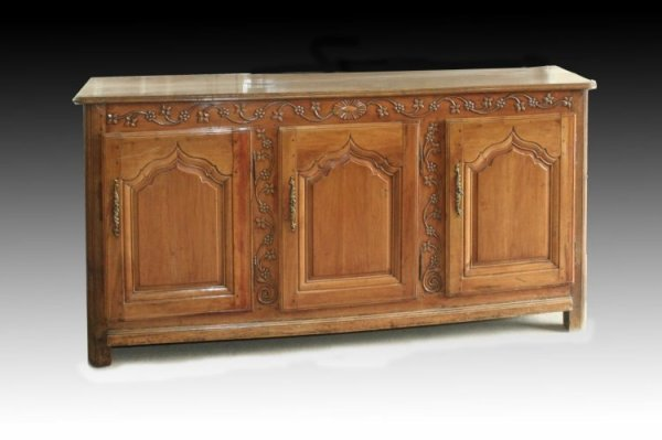 702: An 18th century French provincial cherrywood cupbo