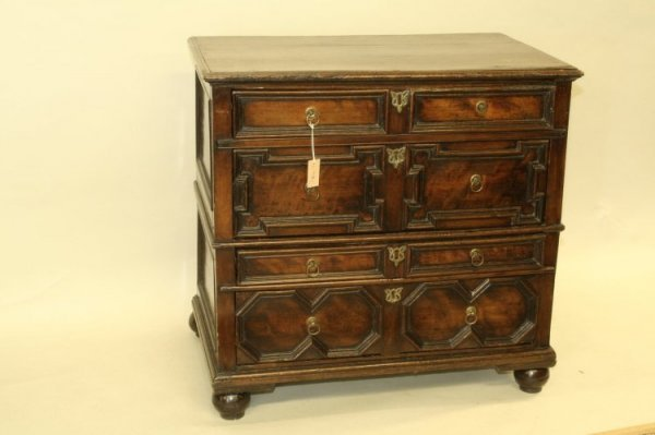 713: An early 17th century oak chest, 3ft 1ins