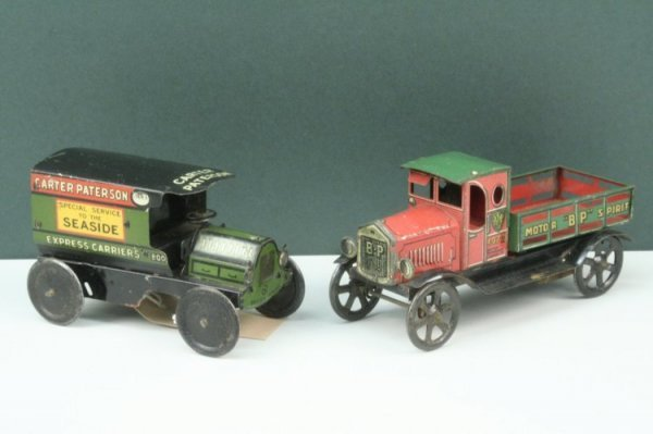 22: An Wells tinplate delivery van, 'Carter Paterson, E