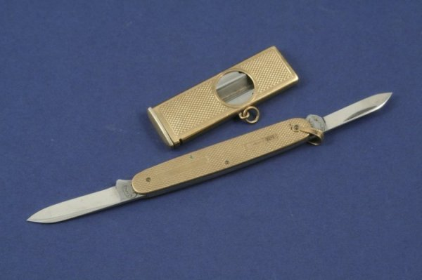 1283: A 9ct gold cheroot cutter & penknife