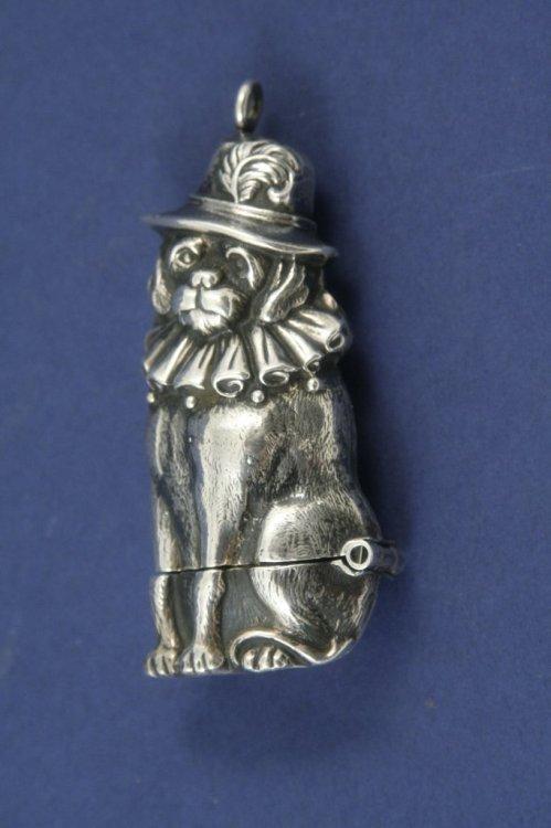 1293: A novelty silver vesta case modelled as Mr Punch'