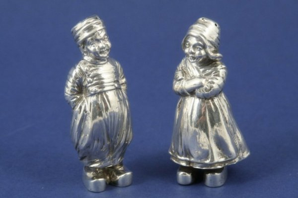 1294: A pair of Dutch silver novelty condiments, 2.75in