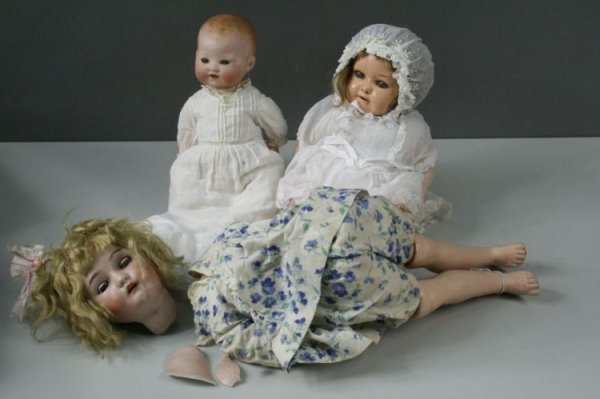 5: A small Armand Marseille 'My Dream Baby', and two ot