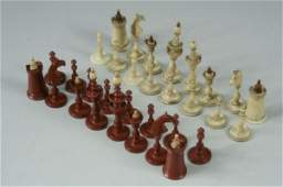 16: A mid 19th century bone Anglo Indian chess set, Kin