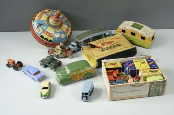 21: Tinplate and other toys
