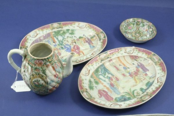 490: A pair of Chinese serving plates, Canton teapot &