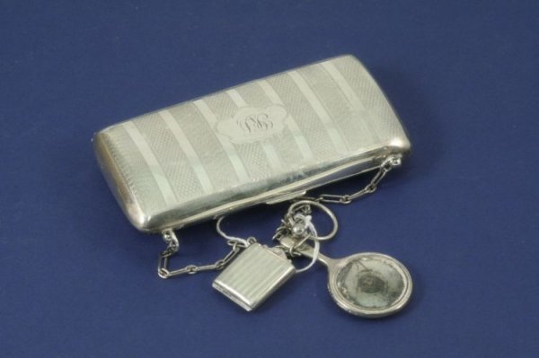 1480: A George V silver lady's evening bag