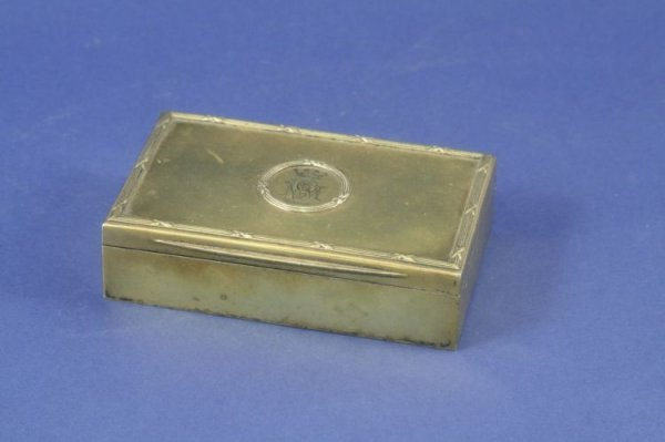 1489: An Edwardian silver gilt trinket box, 4ins