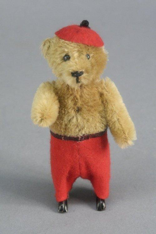 17: A Schuco clockwork Teddy bear, 5.5in.