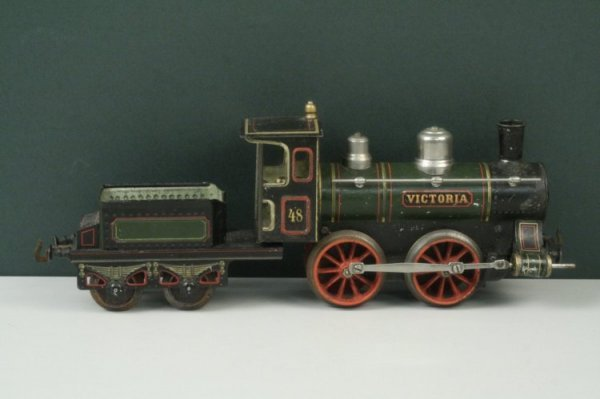 22: A Bing gauge 1 clockwork 0-4-0 locomotive and tende
