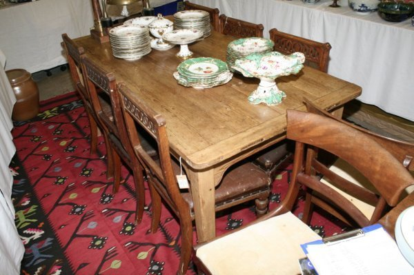 1119: A 19th century pine kitchen table, 5ft 9ins