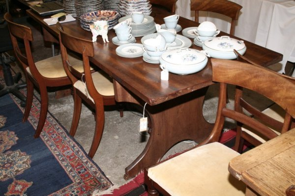 1121: A modern teak refectory style table, 6ft 6ins