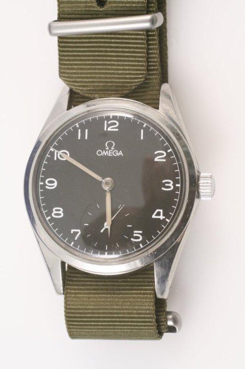 2285: A gentleman's steel Omega Pilots watch