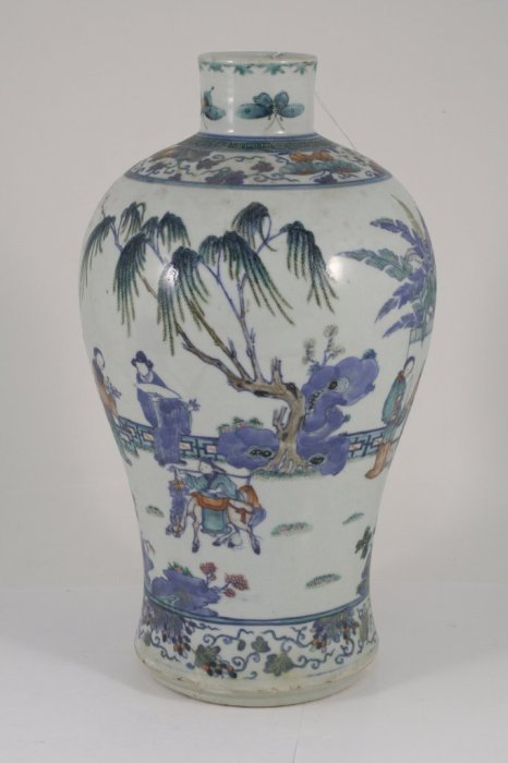 346: A 19th century Chinese baluster vase, 15ins