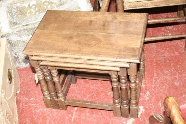 602: A nest of three oak joint stools,