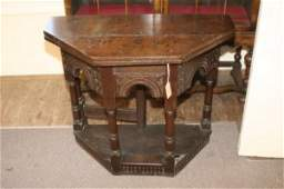 858: An early 18th century oak credence table, height 2