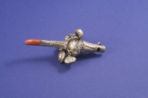 1022: A Victorian silver baby's rattle, 4ins