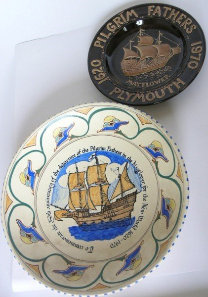 645: A Honiton Pottery commemorative charger & plate