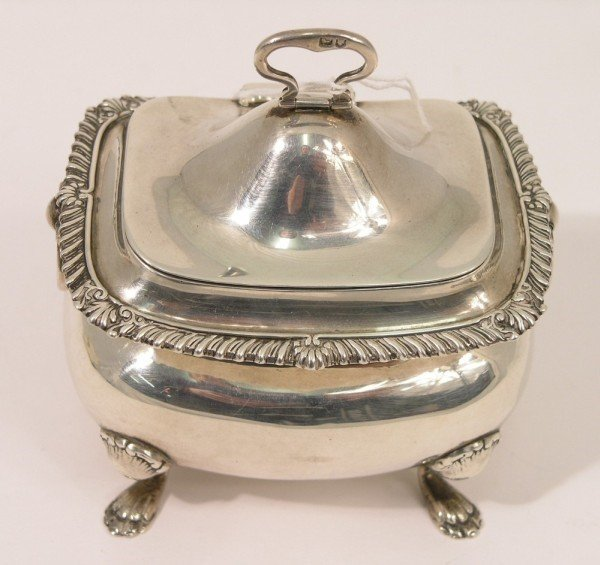 1331: An Edwardian silver tea caddy, 9oz, 4.5ins