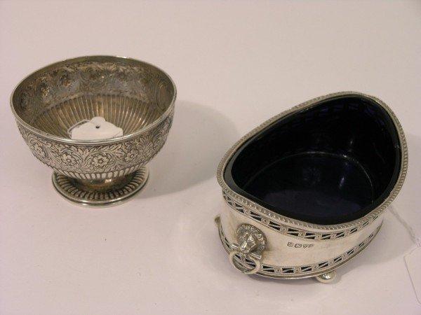 1332: A William IV silver pedestal bowl,