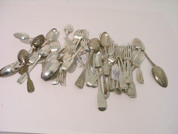 1338: A set of five William IV silver fiddle pattern ta