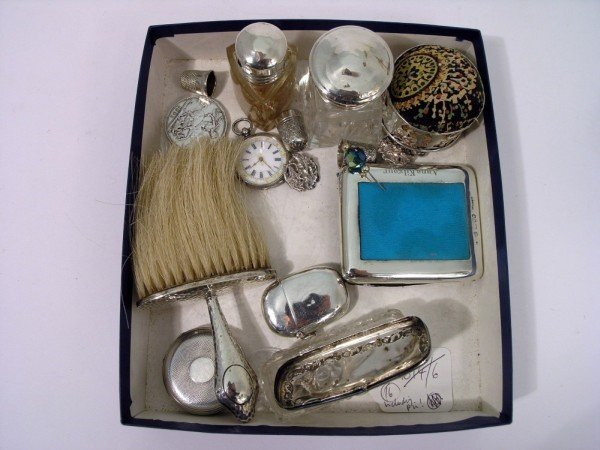1352: A Victorian silver cased pocket watch,