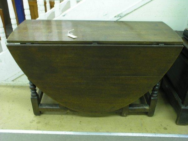 846: An 18th century gate leg table, 4ft