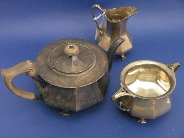 1254: An Art Nouveau silver three piece tea set, gross