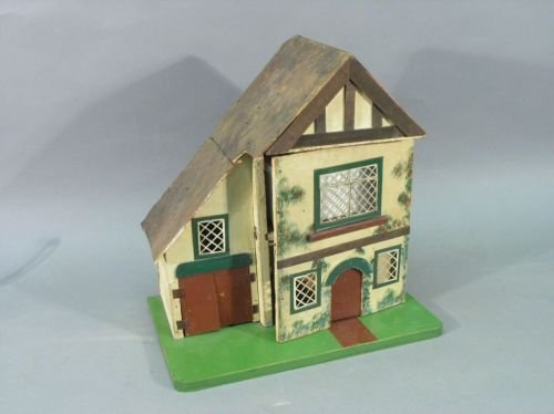 21: An Amersham dolls house, house 15.75in wide
