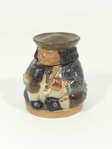 529: A Doulton Lambeth stoneware inkwell, 3in.