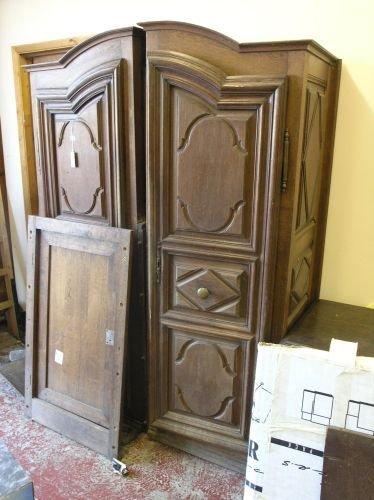 871: A French oak armoire, 6ft 8ins