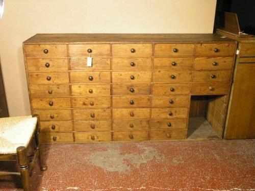 569: Pine bank of drawers