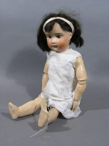 2: A J. Verlingue bisque doll, 'Petite Francaise Liane'
