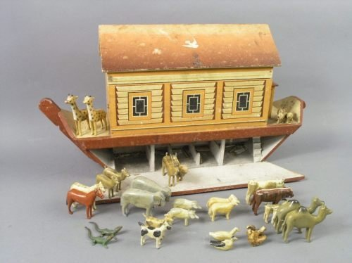 24: A late 19th century Noah's Ark and animals, an asso