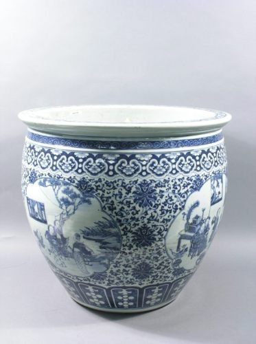 429: A large Chinese blue and white jardiniere, 19.5ins