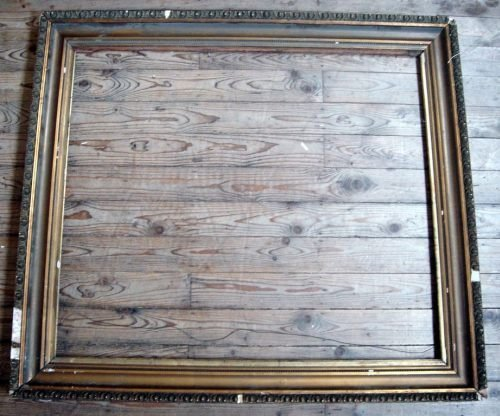 684: A 19th century gilt gesso picture frame