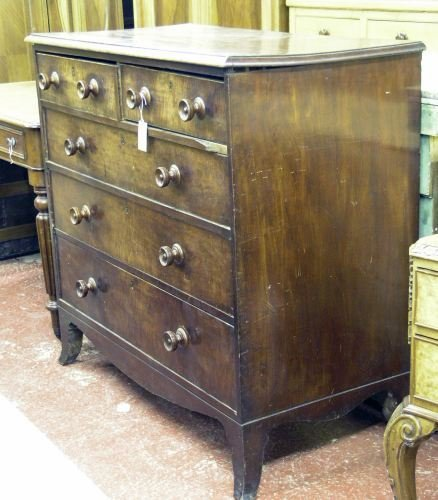688: An early 19th century mahogany chest,