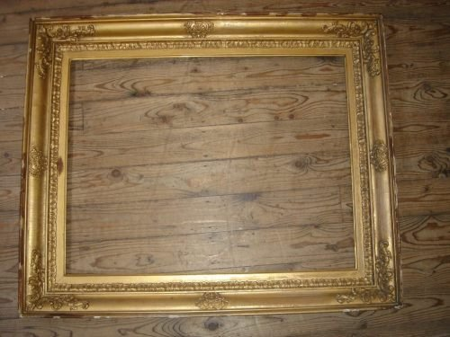 692: A 19th century gilt gesso picture frame, Aperture