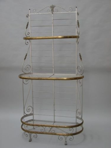 647E: A French wrought iron and brass three-tier patiss