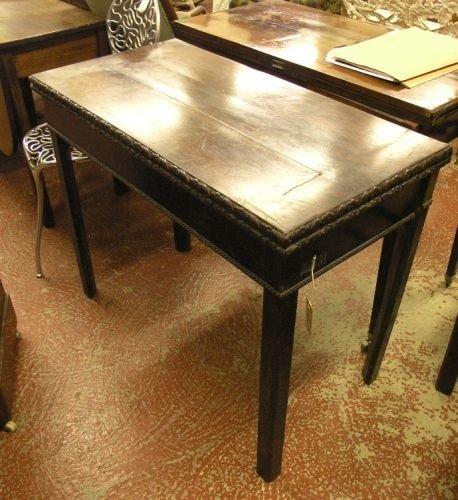 881: A George III mahogany card table, 3ft