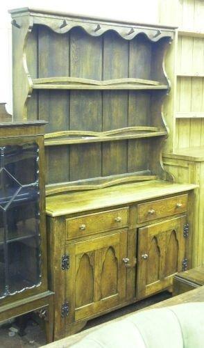 888: A 1930's oak dresser, 4ins